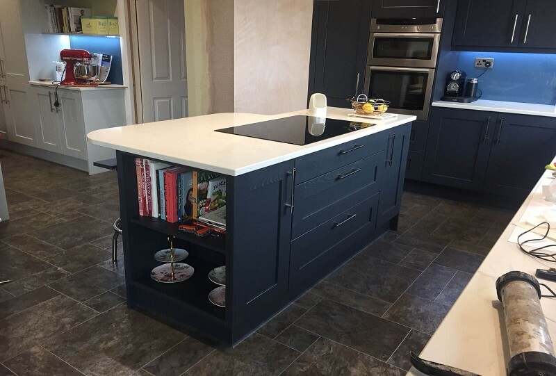 NAVY BLUE KITCHEN WITH GRANITE WORKTOP